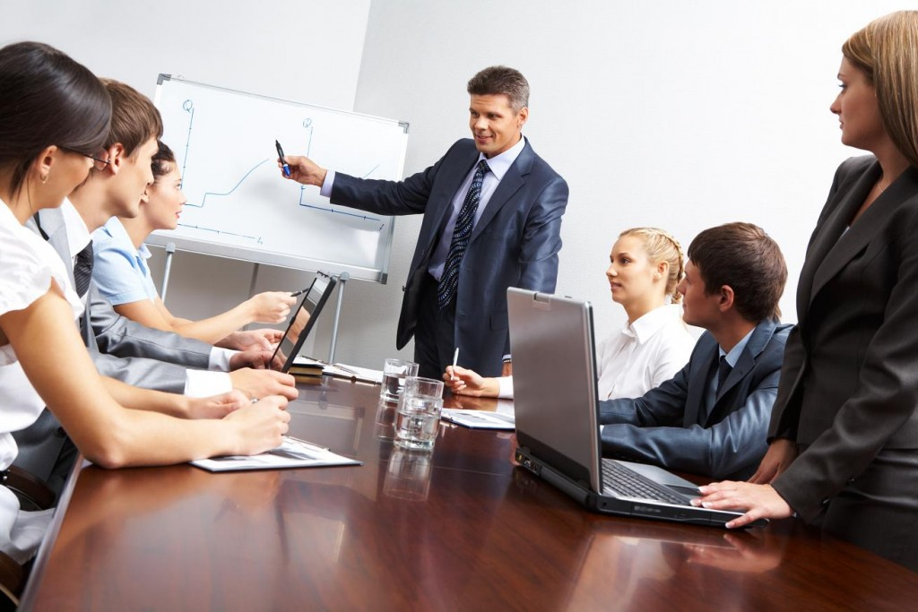 competitive-advantage-through-employee-development-1024x683