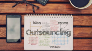 4-Pros-And-Cons-Of-Outsourcing-eLearning-Development